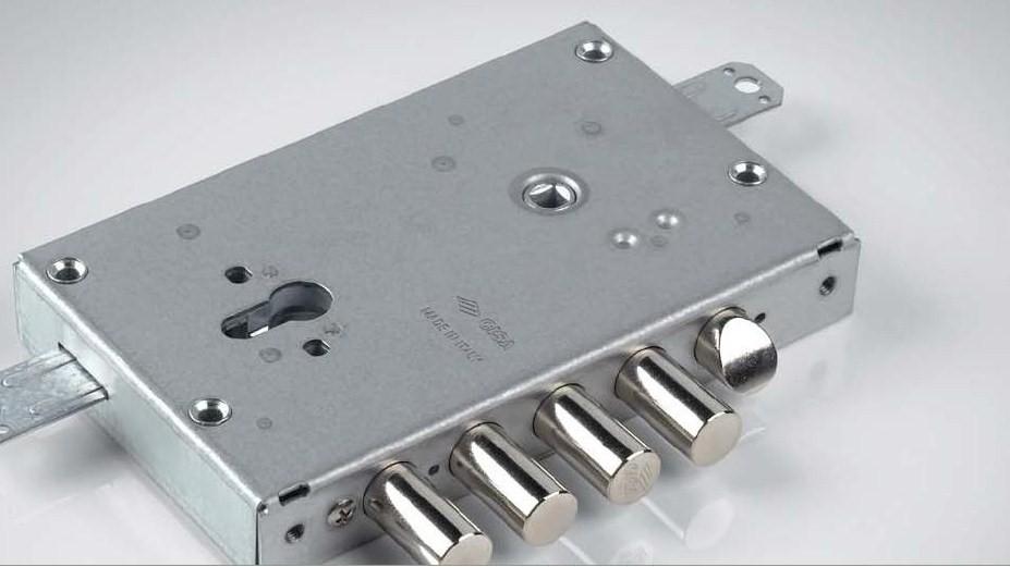 Brico key specialista nel settore duplicazione chiavi e - Serrature per porte blindate ...